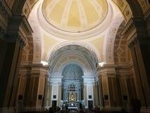 Benevento - altare av basilikan av vår dam av nåd Arkivfoto