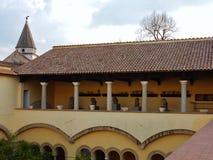 Benevento - logia del claustro de Hagia Sophia fotografía de archivo
