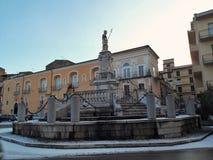 Benevento - springbrunnOrsini påve med snö Royaltyfri Foto
