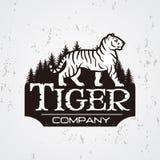 Bengal-Tiger im Waldlogovektor Maskottchenhemd-Designschablone Shop- oder Produktillustration Expeditionsinsignien Lizenzfreie Stockbilder