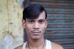 Bengali manstående, Kolkata, Indien Arkivfoto