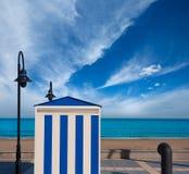 Benicasim i Castellon Benicassim strandband på medelhavs- Arkivfoton