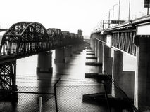 Benicia/γέφυρα του Martinez & η γέφυρα τραίνων στοκ φωτογραφία με δικαίωμα ελεύθερης χρήσης