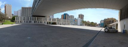 benidorm, Alicante, Spanje; 2019-04-29: Panoramisch stadhuis van Benidorm in Alicante, Spanje stock fotografie