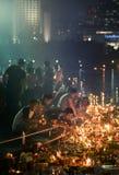 Benjakiti parkerar, Bangkok, Thailand - NOVEMBER 14,2016: Det thailändska folket tycker om Loy Krathong Festival, thailändskt tra arkivbilder