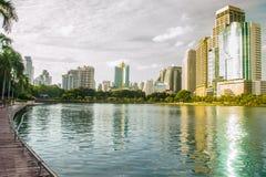 Benjakiti parkerar i Bangkok Fotografering för Bildbyråer
