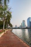 Benjakitti公园的看法在曼谷 免版税库存照片
