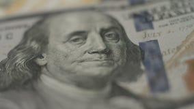 Benjamin Franklin, κινηματογράφηση σε πρώτο πλάνο σημειώσεων εκατό δολαρίων, χρήματα, τράπεζα απόθεμα βίντεο