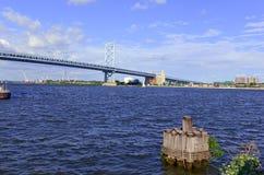 Benjamin Franklin Bridge, chamado oficialmente Ben Franklin Bridge, medindo o Rio Delaware que adere a Philadelphfia Foto de Stock