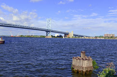 Benjamin Franklin Bridge, officially called the Ben Franklin Bridge, spanning the Delaware River joining Philadelphia. Pennsylvania and Camden, New Jersey Stock Photo