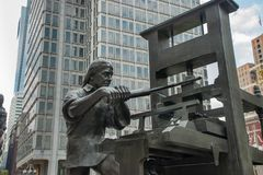 Benjamin Franklin Craftsman Sculpture at Philadelphia, Pennsylvania royalty free stock photos