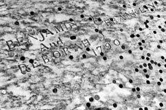 Benjamin Franklin grób zakrywający w monetach przy Chrystus Kościelnym miejsce pochówku w Filadelfia, PA, usa zdjęcie stock
