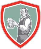 Benjamin Franklin Holding Beer Shield Retro Illustrazione di Stock