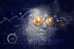 Benjamin Franklin med bitcoinexponeringsglas på nätverksconnectiona Royaltyfri Foto
