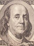 Benjamin Franklin stående från en räkning $100 Royaltyfri Bild