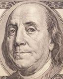 Benjamin Franklin stående från en räkning $100 Royaltyfria Bilder