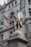 Benjamin Franklin Statue gammal stolpe - kontorsbyggnad, Washington, DC Arkivfoto