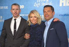 Benjamin Maisani, Kelly Ripa, et Mark Consuelos Photos stock
