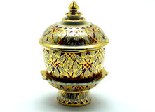 Benjarong,有设计的泰国瓷在多色的 免版税库存照片