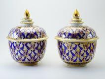 Benjarong som är keramisk, porslin som är härligt från Thailand Arkivbilder