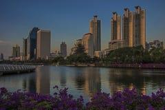 Benjasiri公园在曼谷 免版税库存照片