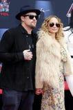 Benji Madden e Nicole Richie fotos de stock royalty free