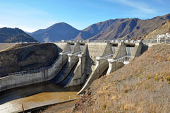 benmore水坝新的otago溢洪道西兰 库存图片