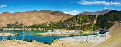 benmore水坝水力发电的湖 库存图片