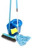 Benna con il mop e la spazzola Fotografia Stock