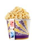 Benna in pieno di popcorn e di vetri 3D Fotografie Stock Libere da Diritti