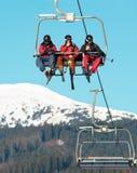 Benne suspendue à la station de sports d'hiver Image libre de droits