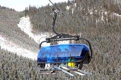 Benne suspendue moderne dans la station de sports d'hiver Jasna, Slovaquie Photographie stock libre de droits
