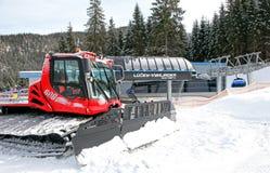 Benne suspendue moderne dans la station de sports d'hiver Jasna, Slovaquie Image libre de droits