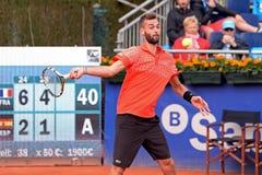 Benoit Paire (jugador de tenis de Francia) juega en el ATP Barcelona Imágenes de archivo libres de regalías