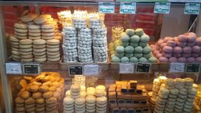 Bens de padaria na alameda de Wangfujing no Pequim, China fotos de stock