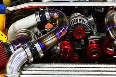 Bensin tankade bilmotorn Ändring av motorn royaltyfri foto