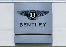 Bentley Automobile Log et chapiteau image stock