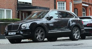 Bentley Bentayga preto SUV video estoque