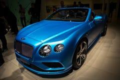 Bentley Continental GT rusar bilen Arkivfoto