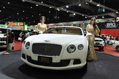 Bentley GT continentale su visualizzazione ad un salone dell'automobile Immagini Stock Libere da Diritti