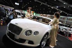 Bentley GT som är kontinental på skärm på en motorShow Arkivfoton