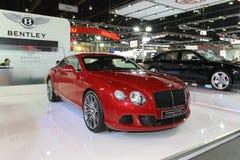 Bentley kontinental gt rusar expon 2013 för motorn för den skärmThailand internationalen Royaltyfria Foton