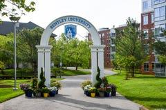 Bentley University Arch arkivbilder