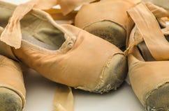 Benutzte Ballettschuhe Stockbilder
