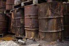 Benutzte chemische Fässer Lizenzfreie Stockfotografie