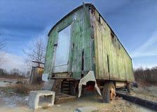 Benutzte Hütte auf Rädern Lizenzfreie Stockfotos