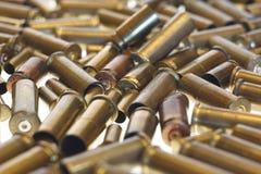 Benutzte leere alte Gewehrkugelkassetten Stockfotografie