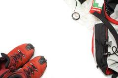 Benutzte trekking Schuhe und wandern Ausrüstung Lizenzfreie Stockfotos