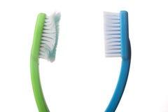 Benutzte Zahnbürsten auf Weiß Lizenzfreie Stockfotografie