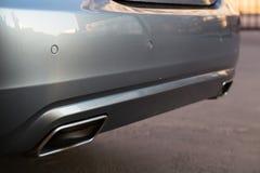 Benutzter S-klasse langer (W221) Stand Autos S350 Mercedes-Benzs auf einem stree Lizenzfreie Stockbilder